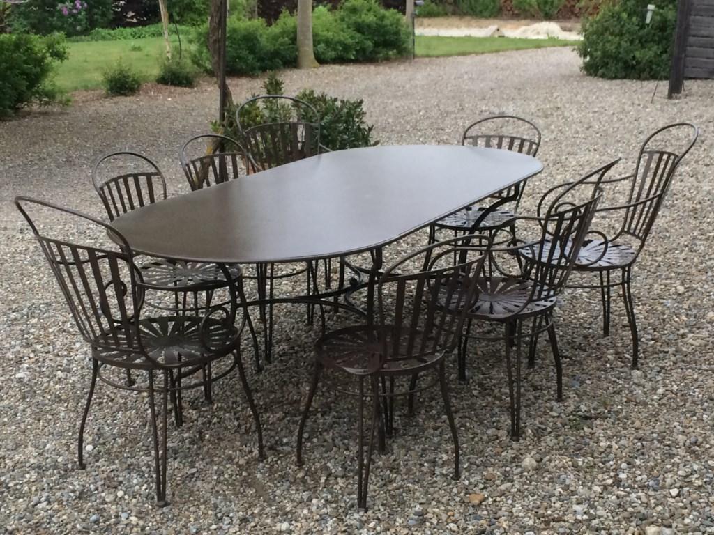 Masa ovala din fier forjat cu scaune