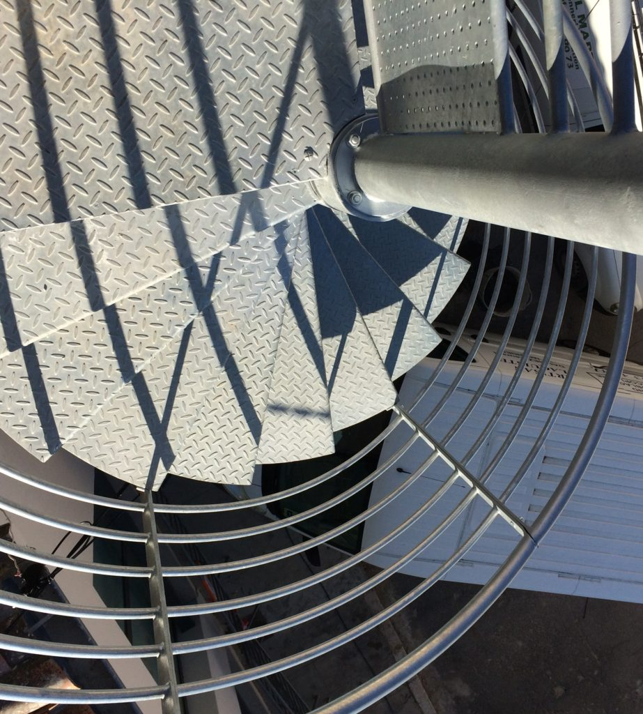 Scara in spirala metalica