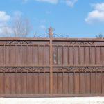 Poarta glisanta din fier forjat cu tabla