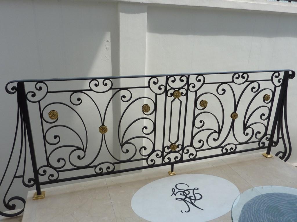 balustrada din fier forjat artizanal